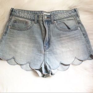 H&M Scalloped Hem Jean Shorts Size 6
